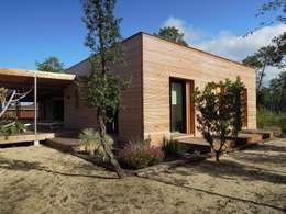 Casas de estilo moderno por Nov'archi