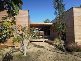 Maison Sultan: Maisons de style de style Moderne par Nov'archi
