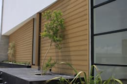 Grupo Boes: modern tarz Balkon, Veranda & Teras