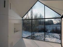 Гостиная в . Автор – 2by4-architects