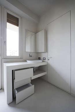 Projekty,  Łazienka zaprojektowane przez Arredamenti Caneschi srl