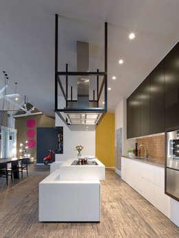 Кухни в . Автор – Ippolito Fleitz Group – Identity Architects