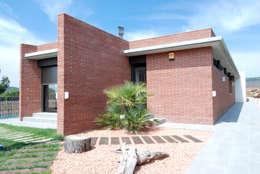 Casas de estilo moderno por FG ARQUITECTES