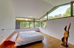 modern Bedroom by Möhring Architekten