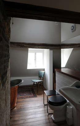 rustic Bathroom by The Modern House