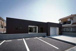 Projekty, nowoczesne Domy zaprojektowane przez ラブデザインホームズ/LOVE DESIGN HOMES