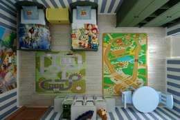 Projekty,  Pokój dziecięcy zaprojektowane przez Дизайн студия 'Exmod' Павел Цунев