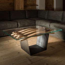 Tavolino Botte: Arte in stile  di Wood Art Cortina
