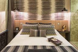 Dormitorios de estilo  por AK Design Studio