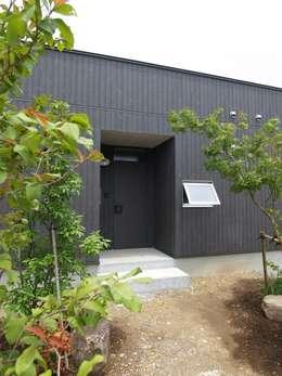 Nhà by ai建築アトリエ