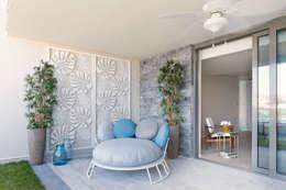 Escapefromsofa – OLABELLA // RESIDENTIAL PROJECT: modern tarz Balkon, Veranda & Teras