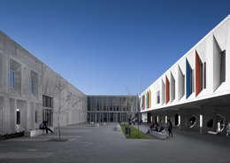 Escuelas de estilo  por CVDB Arquitectos