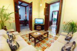 غرفة المعيشة تنفيذ Arturo Campos Arquitectos
