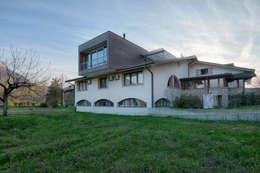 Projekty, nowoczesne Domy zaprojektowane przez Studio di Architettura Daniele Menichini