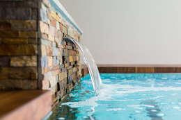 Waterstijl Wellness te Renesse: rustiek & brocante Zwembad door Waterstijl Luxe Zwembaden