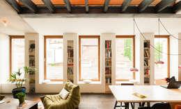 Salas / recibidores de estilo  por atelier vens vanbelle