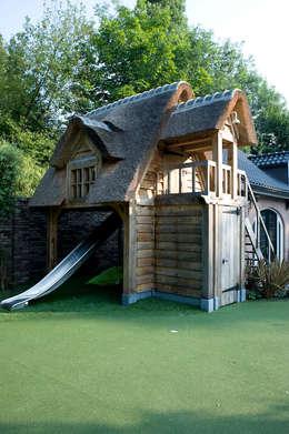 Luxe speelhuis: rustieke & brocante Tuin door Stam Hoveniers