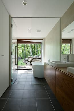 modern Bathroom by atelier137 ARCHITECTURAL DESIGN OFFICE