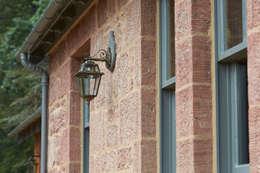 Paredes de estilo  por Architects Scotland Ltd