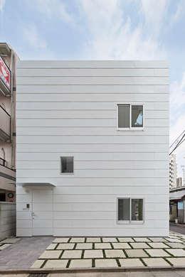 外観-正面: アソトシヒロデザインオフィス/Toshihiro ASO Design Officeが手掛けた家です。