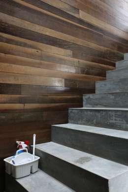 ZAAV-Casa-Interiores-1342: Corredores e halls de entrada  por ZAAV Arquitetura
