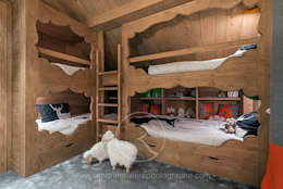 rustic Nursery/kid's room by Sandrine RIVIERE Photographie