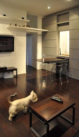 c_house soggiorno: Soggiorno in stile in stile Moderno di evels & papitto - b4architects