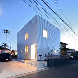 石躍健志建築設計事務所의  주택
