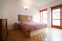 IPAHIM: Camera da letto in stile in stile Moderno di BLA! UFFICIO DI ARCHITETTURA