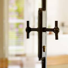 Stalen deurklink:  Ramen & deuren door Exclusive Steel