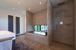 Badewanne Als Liege: Moderne Badezimmer Von Beck+Blüm Beck Architekten