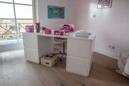 Bureel: moderne Kinderkamer door Alewaters & Zonen