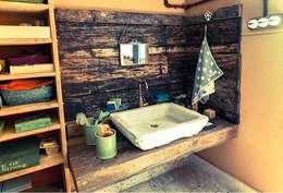 Baños de estilo rústico por Anticuable.com
