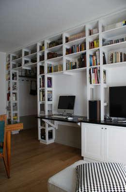 Casa per una giovane coppia: Soggiorno in stile in stile Scandinavo di Francesca Pierucci Architetto