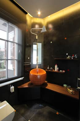Orkun İndere Interiors: modern tarz Banyo