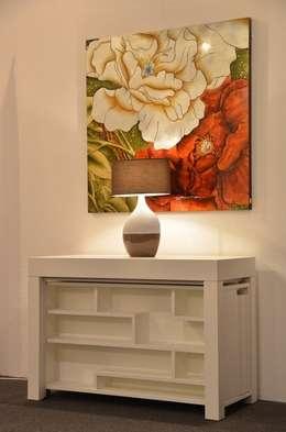 Tavolo consolle Maya Standard 110x50\345 con mobile prolunghe Zen: Sala da pranzo in stile in stile Moderno di Arredo Creativo