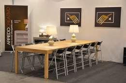 Tavolo consolle Maya Standard 110x50\345 con mobile prolunghe Zen, finitura Ulivo: Sala da pranzo in stile in stile Moderno di Arredo Creativo