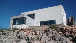Casas de estilo moderno por Estudio1403