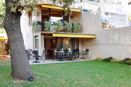 Projekty,  Balkon, weranda i taras zaprojektowane przez Kerim Çarmıklı İç Mimarlık