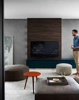 Livings de estilo minimalista por Livarea