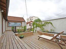Pavillon transformé en loft: Terrasse de style  par BuroBonus