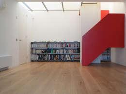 Maisons de style de style Moderne par Sophie Nguyen Architects Ltd