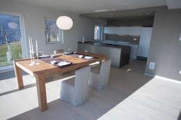 Comedores de estilo moderno por marco.sbalchiero/interior.design