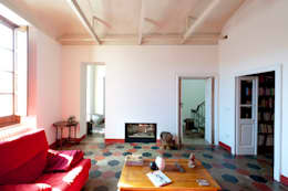 Officina29_ARCHITETTI: modern tarz Oturma Odası