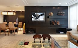 Conforto em primeiro lugar: Salas de estar modernas por Jaqueline Frauches Arquitetura e Interiores