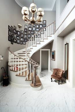 LANTANA PARKE – Ahşap Merdiven: modern tarz Koridor, Hol & Merdivenler