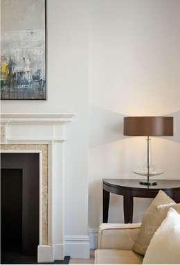 Гостиная в . Автор – Black and Milk   Interior Design   London