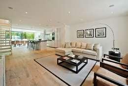 Projekty,  Pokój multimedialny zaprojektowane przez Black and Milk | Interior Design | London