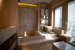 Indirekte Beleuchtung. Minimalistische Badezimmer ...