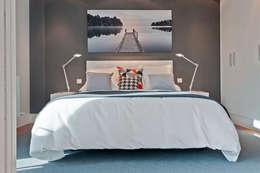 modern Bedroom by URBANA 15
